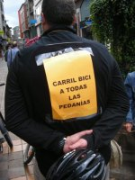 'I Bicicletada reivindicativa'. 'Carril bici a todas las pedanías'. Ponferrada, 29 sept. 2009. Fuente: unecologistaenelbierzo.wordpress.com. Foto: Enrique L. Manzano.