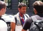 El fotógrafo Raúl Capín tras ser agredido por la policía en una manifestación en Madrid. 2013. Noticiasdenavarra.
