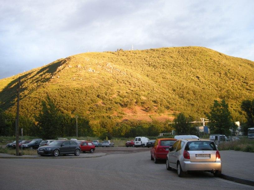 El monte Pajariel. Ponferrada, 12 jun. 2008. Fuente: unecologistaenelbierzo.wordpress.com. Foto: Enrique L. Manzano.