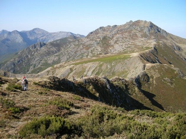 Paisaje de los Ancares leoneses, en el límite con la provincia lucense. Guímara, 28 sept. 2008. Foto: Enrique L. Manzano.