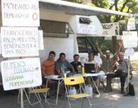 Huelga de hambre contra los transgénicos frente al Parlamento de Cataluña. Barcelona, 30 jun. 2009. Somloquesembrem.wordpress.com.