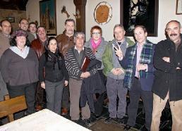 Representantes de asociaciones, partidos políticos y sindicatos contrarios a la construcción del tendido eléctrico Sama-Velilla. León, 30 enero 2010. Foto: Peio García.