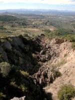 Destrozos producidos por la minería a cielo abierto entre Onamio y Paradasolana y no restaurados. 15 sept. 2008. Fuente: unecologistaenelbierzo.worpress.com. Foto: Enrique L. Manzano.
