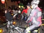 Pese al frío, el buen humor volvió a presidir la 5ª BiciCrítica de Ponferrada. 30 oct. 2013. Fuente: ecobierzo.org. Foto: Enrique L. Manzano.