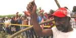 Protesta campesina contra las condiciones laborales impuestas por los empresarios del cultivo de la caña de azucar. Brasil, 14 sept. 2008.