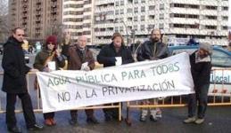 Una protesta de la Plataforma Leonesa contra la Privatización del agua. León, 25 enero 2009.