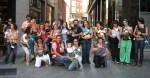 Los participantes en la I Marcha de portabebés. Ponferrada, 24 sept. 2009. Fuente: unecologistaenelbierzo.wordpress.com. Foto: Enrique L. Manzano.