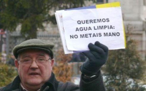 Protesta contra la privatización del agua. León, 17 enero 2009. Leonoticias.com.