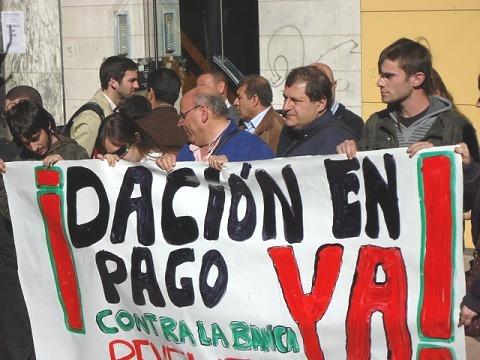 Protesta de la Plataforma de Afectados por la Hipoteca. 2011. Fuente: blog.elrealista.es.