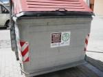 Un contenedor de materia 'orgánica exclusiva en Sant Vicenç dels Horts (Cataluña). 26 jul. 2009. Foto: Enrique L. Manzano.
