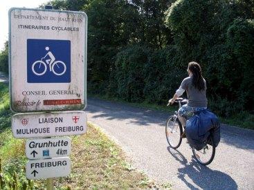 Una ruta ciclista entre  Mulhouse y Freiburg, en Alsacia (Francia). Fuente: europebybike.org.