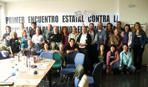 Participantes en el I Encuentro Estatal Contra la Incineración de Residuos en Cementeras. 9-10 oct. 2009. Foto: Enrique L. Manzano.