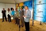 Presentación del Proyecto 'Complejo de Aventura Meseta Skí', por el presidente de la Diputación de Valladolid, Ramiro Felipe Ruiz Medrano. Valladolid, 25 jun. 2006.