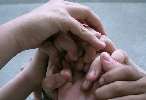 En la unión está la fuerza y la esperanza. Foto: Ruurmo.
