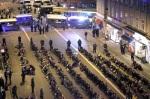 COP15. La policía de Dinamarca procede a realizar detenciones masivas de activistas climáticos.  Copenhague, 12 nov. 2009. Fuente: lajornada.com.