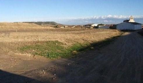 Movimientos de tierra en la zona del aparcamiento proyectado en la construcción de una pista de esquí seco en Villavieja del Cerro (Valladolid). Oct. 2009. Fuente: ecologistasenaccion.org.