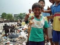 NIños pobres en Yakarta (Indonesia).