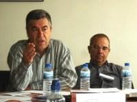 Una intervención de Félix Ruiz, de Toledo Aire Limpio. Ponferrada, 10 oct. 2009. Foto: Enrique L. Manzano.