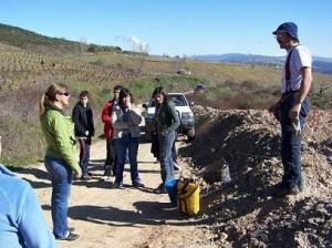 Trabajos de reforestación realizador por el Taller municipal de Empleo y voluntarios de la Asociación Cultural Ecobierzo. San Lorenzo, 27 marzo 2007. Fuente: Ecobierzo.org.