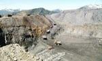Una imagen del 'territorio comanche' del valle de Laciana, sin leyes que se respeten por los empresarios mineros. Valle de Laciana, 2009. Fuente: rtve.es.