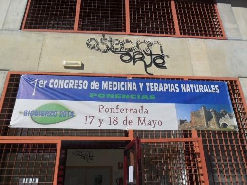 1er Congreso de Medicina y Terapias Naturales. Ponferrada, 17 - 18 mayo 2014. Fuente: Unecologistaenelbierzo.wordpress.com.Enrique L. Manzano.