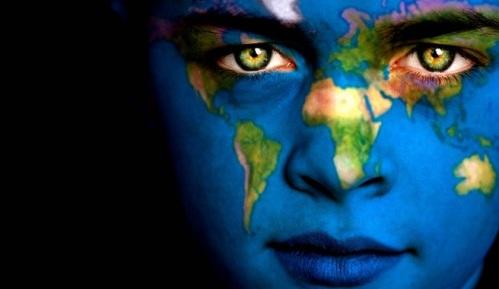 Economía solidaria para preservar el planeta. Fuente: apadrinoo.com.