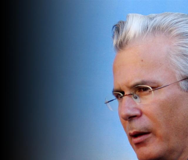 El juez Garzón es hoy la diana de empresarios corruptos que él ha denunciado por su implicación con la red Gürtel. 2009.