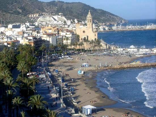 Vista general de Siges (Cataluña). Fuente: zinian.wordpress.com.