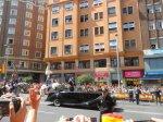El nuevo monarca saluda a la población. Madrid, 19 jun. 2014. Fuente: unecologistaenelbierzo.wordpress.com. Foto: Enrique L. Manzano.