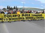 Manifestación de 'Toledo Aire Limpio' contra la quema de residuos en cementeras.