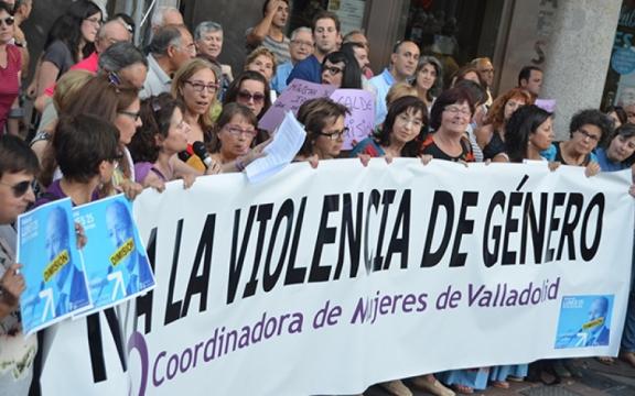 Manifestación contra las declaraciones machistas de León de la Riva. Valladolid. 25 agosto 2014. Ultimocero.com.
