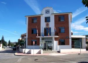 Ayuntamiento de Cubillos del Sil. Fuente: unecologistaenelbierzo.wordpress.com.