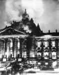 El incendio del Reichstag benefició a los nazis. 27 febr. 1933. Fuente: wikipedia.org. Fondo: ARC.