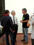 El Presidente de APAM-CLM (en camiseta) dialoga con Gaspar Llamazares. Toledo, 24 sept. 2014. Agentesclm.blogspot.com.es.