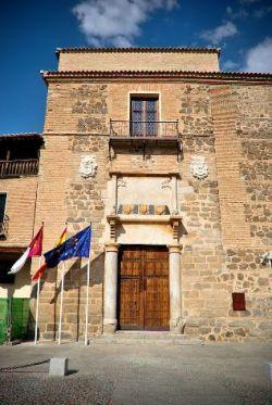 El palacio de Fuensalida, sede de la Presidencia de la Junta de Comunidades de Castilla-La Mancha. Fuente: wikipedia.org. Foto: Francisco Javier Martín Fernández.