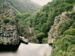 Pantano del Rial en el cauce del río Argutorio. Bierzonatura.blospot.com.