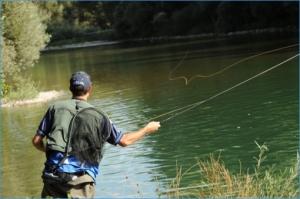 Es conveniente asegurarse de que no haya ningún tendido eléctrico en las proximidades de la zona de pesca. 2011. Pescasanbartolomé.com.