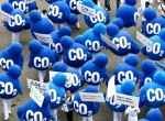 Una protesta contra el cambio climático y el exceso de CO2 en la atmósfera terrestre. Fuente: blog.pinturaaislante.eu.