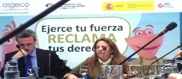 Fernando Móner, presidente de CECU y Ana Ceballos, presidenta de ASGECO. 27 dic. 2012. Fuente: programapublicidad.com