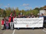 Manifestación en defensa de las juntas vecinales. Riello, 2 oct. 2012. Esllabon.blogspot.com.