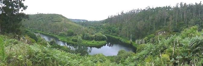 Meandro de Santa Mariña en el río Anllóns a su paso por Corcoesto (Cabana de Bergantiños). Fuente: salvemoscabana.blogspot.com.es.