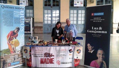 Adif colabora con el comercio justo. 3 nov. 2014. Nuevatribuna.es.