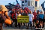 Miembros de Greenpeace protestan contra las prospecciones petroleras en canarias. 14 nov. 2014. Greenpeace.org.