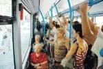 Foto original de una señora en el bus. 2014. Pablo Iglesias.