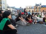 12M-15M. Asamblea improvisada al final del recorrido. Ponferrada, 12 mayo 2013. Fuente: un ecologista en El Bierzo. Foto: Enrique L. Manzano.