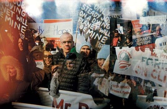 Bill McKibben pide el liderazgo del Papa en la lucha contra el cambio climático. 28 febr. 2013. Bloomberg Businessweek. Justin Maxon.