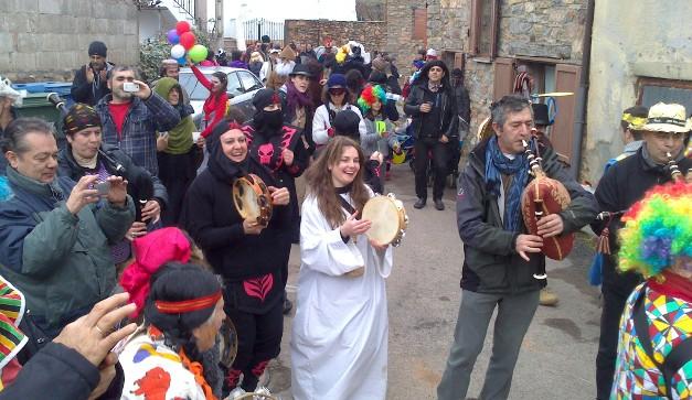 Carnaval en Lago de Carucedo. 15 febr. 2015. Foto: Enrique L. Manzano.
