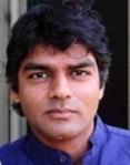 El escritor y activista Raj Patel autor de 'Obesos y famélicos'. 2008. Fuente: editorialmarea.com.ar.