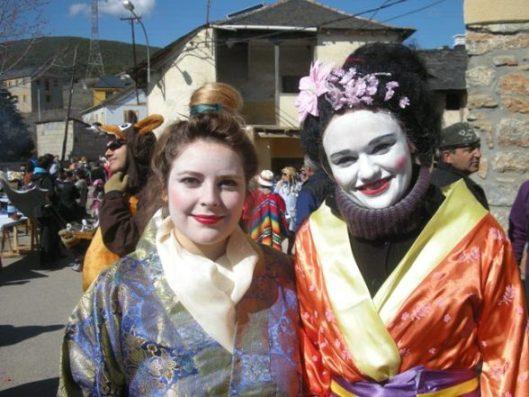 Hermosas geishas en el carnaval de Lago de Carucedo. 6 marzo 2011. Foto: Enrique L. Manzano.