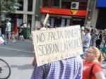 'No falta dinero, sobran ladrones'. Ponferrada, 12 mayo 2012. Foto: Enrique L. Manzano.